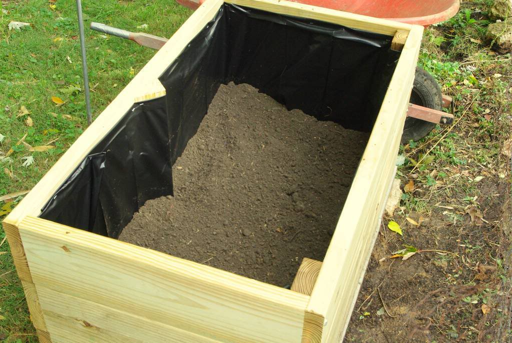 It S Not Work It S Gardening Another Bamboo Planter Box